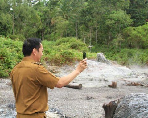 Caroll Senduk kepincut potensi wisata belerang Lahendong