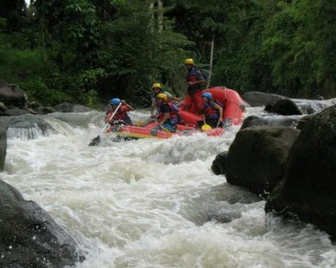 Wisata Alam Arung Jeram Minahasa